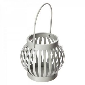 Metalowy świecznik w kształcie lampionu