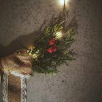 Świąteczny wianek ze światełkami LED