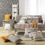 Poduszka dekoracyjna z frędzlami i azteckim wzorem