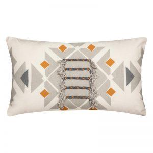 Poduszka dekoracyjna z frędzlami w stylu etno